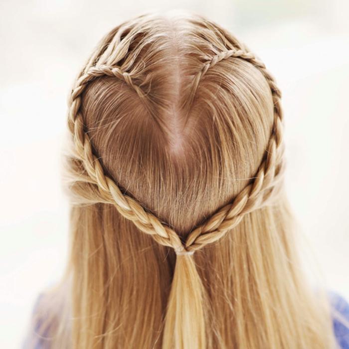 Haare Flechten Zwei Zopfe Wie Ein Herz Haar Im Glück